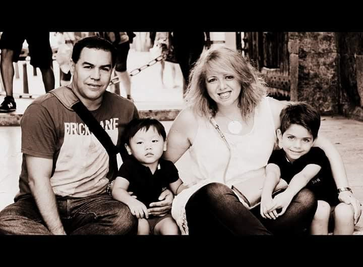 Mateo y familia